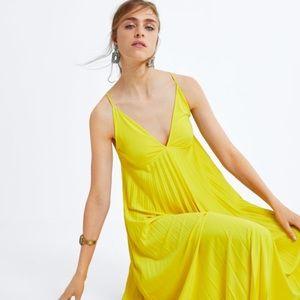 Zara pleated Dress Brand New